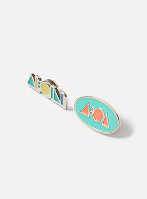 SHINee TYPOGRAPHIC BADGE