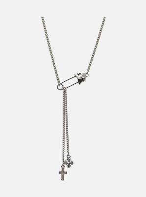 [SUPERHUMAN &P!CK]ROCKING AG   HELMET PIN NECKLACE