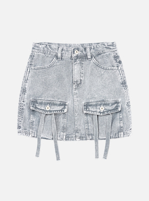 [STYLIST &P!CK] SCULPTOR Acid Wash Denim Cargo Skirt