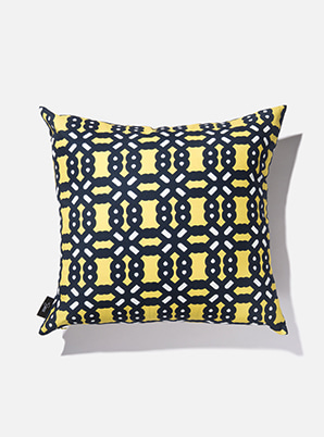 [MD &P!CK] &STORE CUSHION COVER BOLD YELLOW