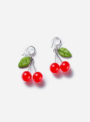 [A PRECIOUS MOMENT &P!CK] GRAIN DE BEAUTE  CHERRY DROP EARRINGS